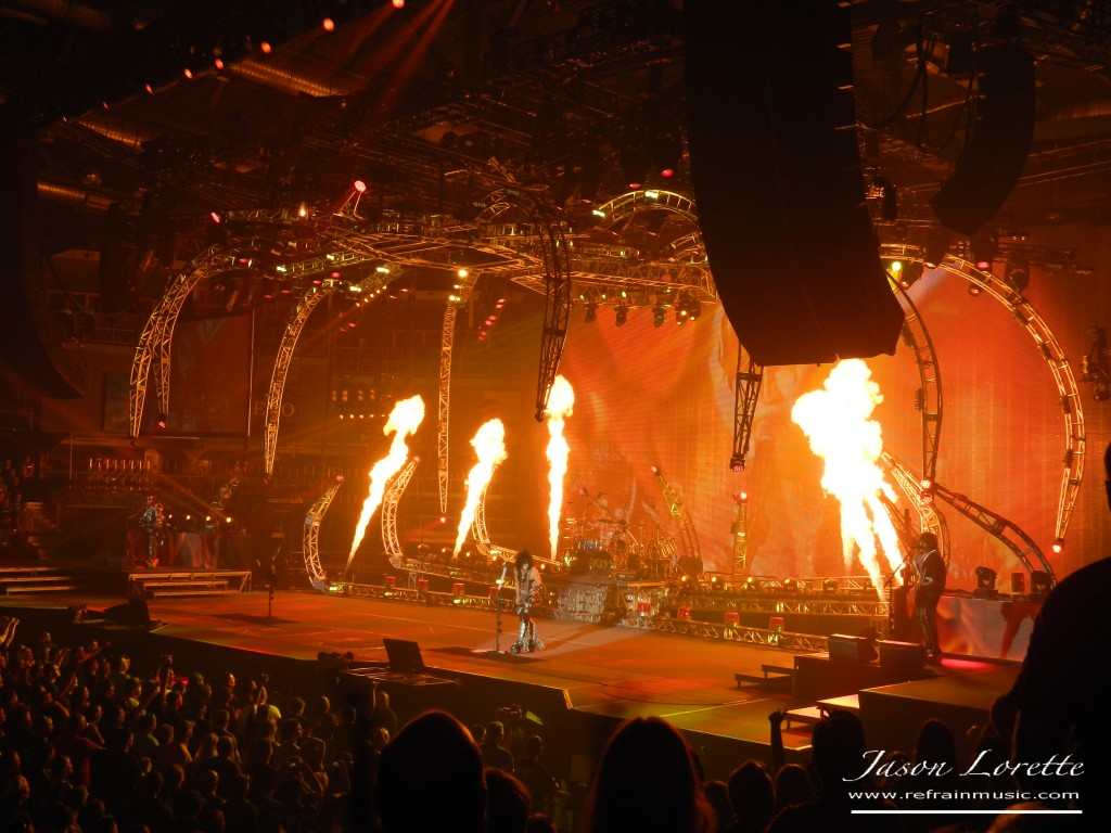 """Heaven's On Fire"" - KISS Monster Tour 2013"